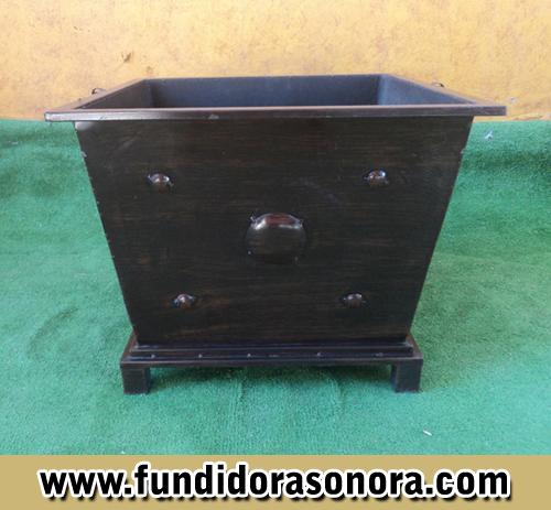 Fundidora Sonora -  Macetero cuadrado bajo